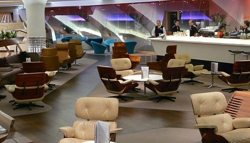 The Galaxy Tab will be on offer to passengers using Virgin Atlantic's Clubhouse lounge