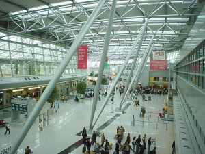 800px-Duesseldorf_international_terminal1-300x225.jpg