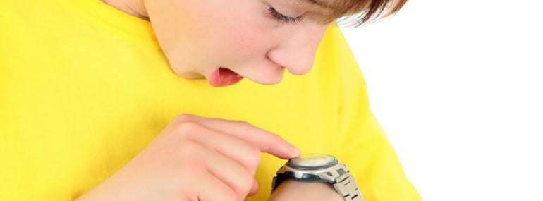 kid confused by smartwatch