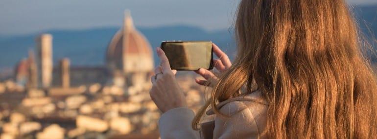 Italy smartphone