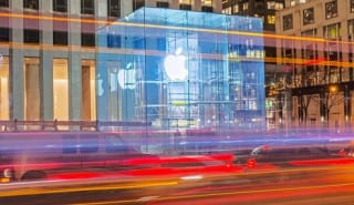 Apple-eSIM-move-boosts-smartphone-market-growth--e-SIM-Connect-2018-KNect365-TMT_770x285