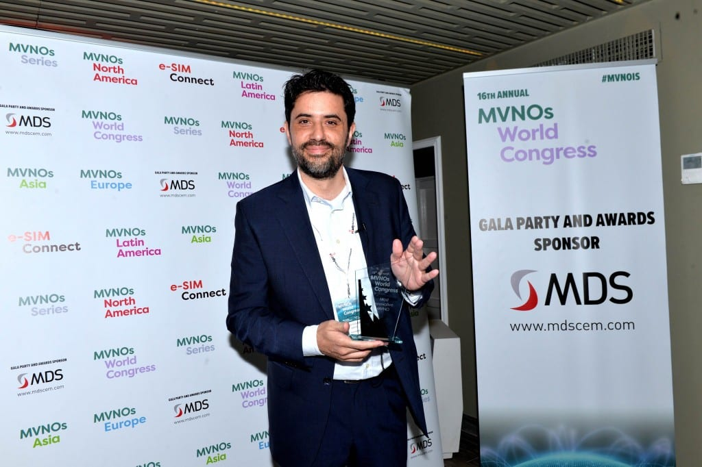 Jesus Noguera, CEO of Simyo, Accepted the Award